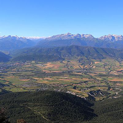 Nuestra zona de distribución abarca las comarcas de La Jacetania, Alto Gallego y Sobrarbe, teniendo como límites las poblaciones de : Ansó, Artieda, Bailo, Jaca, Hostal Ipiés, Fiscal, Ordesa, Portalet, Candanchú.